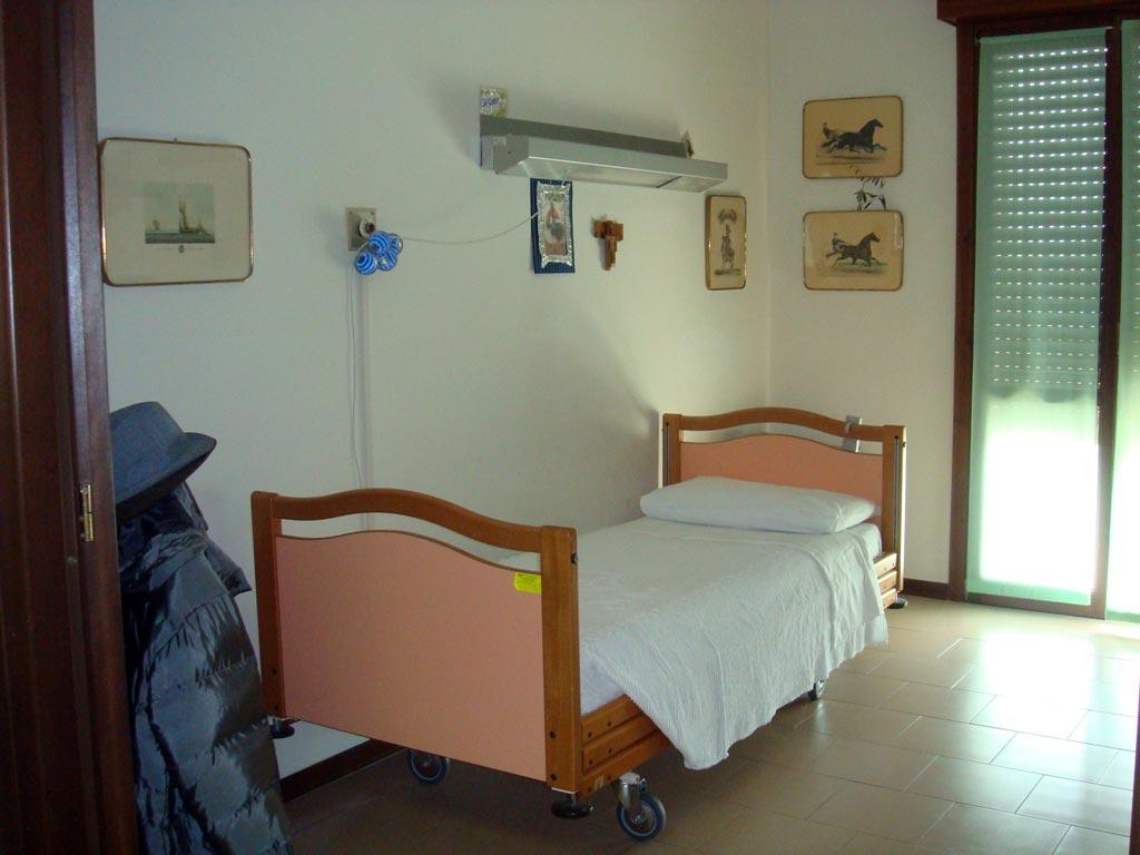 CAMERA-DA-LETTO-SINGOLA - Residenza alla Pace - Borgofranco Po (MN)